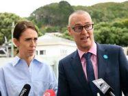 نیوزی لینڈ  کی  وزیراعظم جیسنڈا آرڈن اور وزیر صحت ڈاکٹر ڈیوڈ کلارک